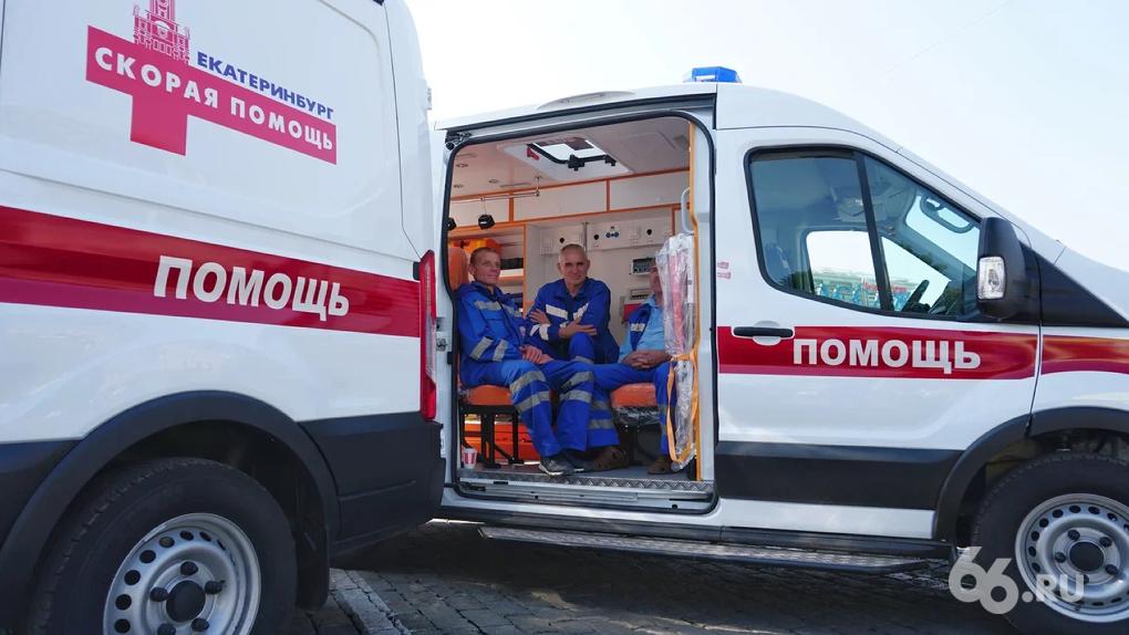 Многие люди не выдерживали»: глава станции скорой помощи рассказал, как  медики пережили пик пандемии