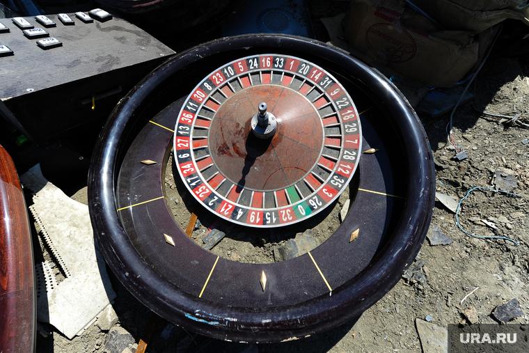 Нападение бандитов на подпольное казино в ресторане хаят видео биржа и казино